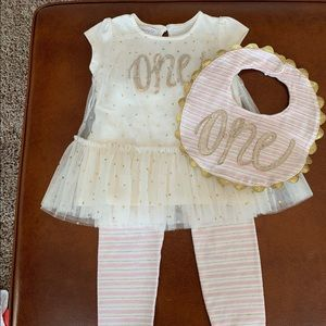 Mud Pie First Birthday Outfit with bib 12-18 month